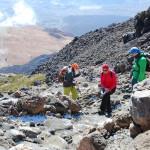 Stoupáme výš a výše, v pozadí  Montaña Blanca