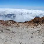 Panoramatický pohled na kráter Pico del Teide z jeho vrcholu